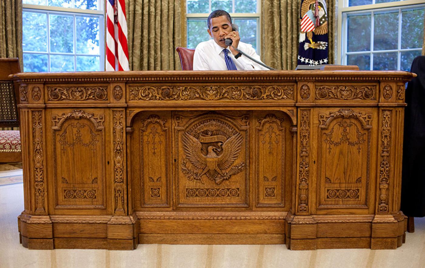 Obama resolute desk