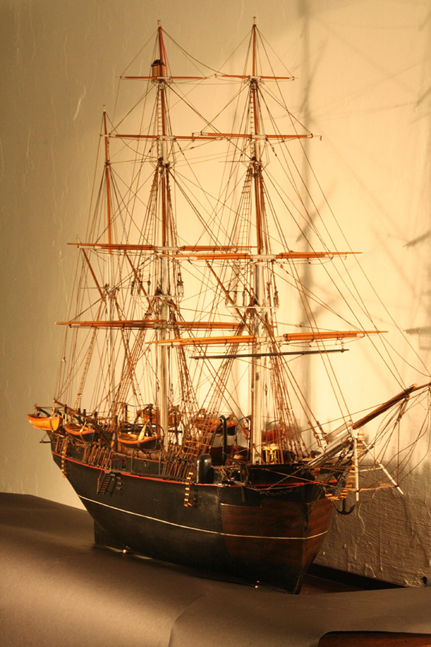 HMS Resolute model general